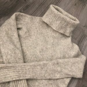 Aritzia - Community Wool Sweater